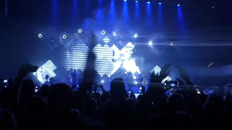 OneRepublic - Counting Stars (Vevo Presents- Live at Festhalle, Frankfurt)