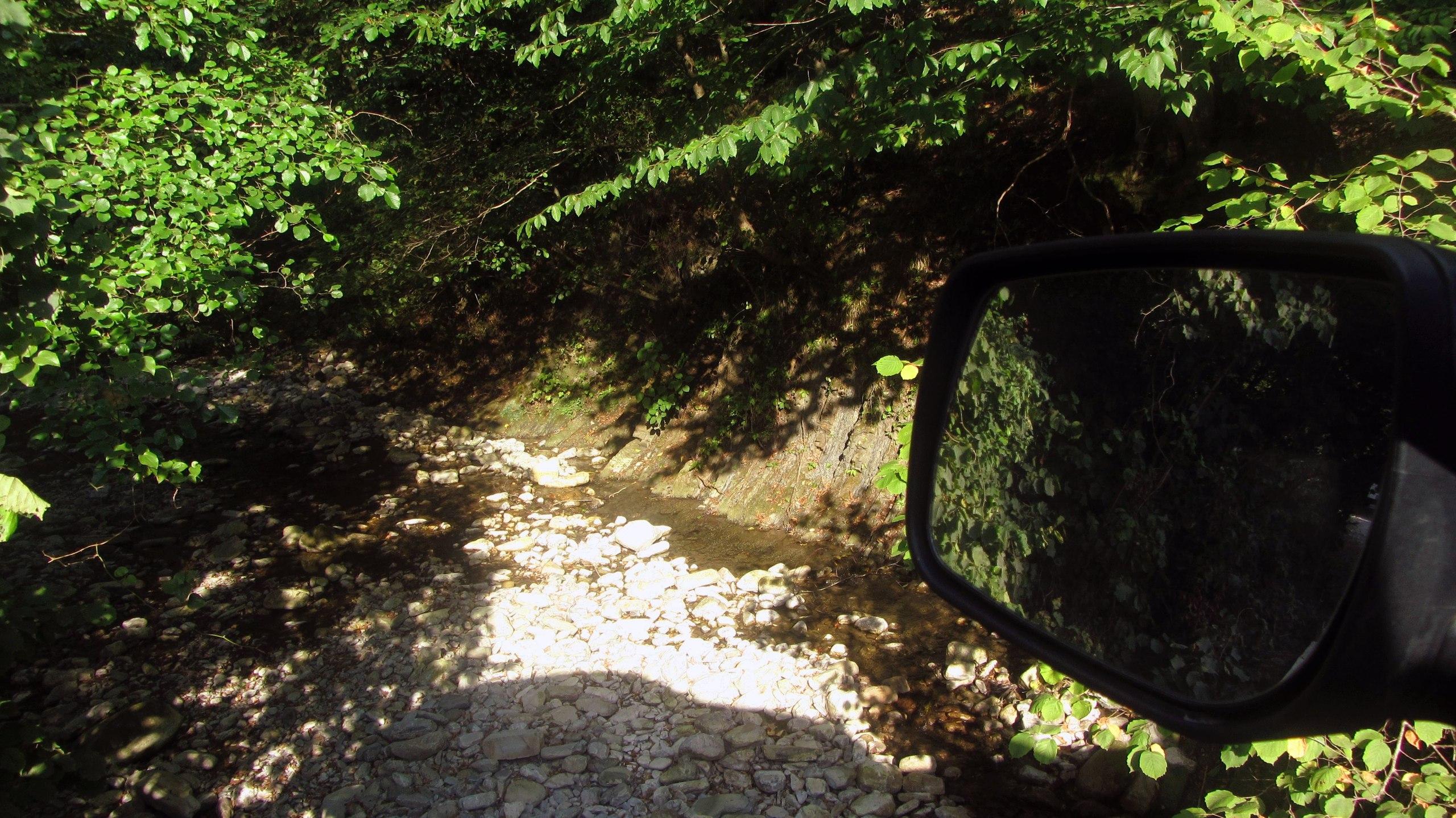 Мамедова Щель. Вид с мостика из окна автомобиля