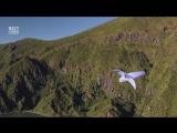 Парень летает как птица