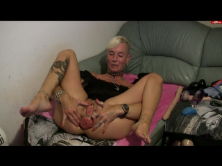 lady-isabell666 in Dildo deepthroating proplapse and self fisting