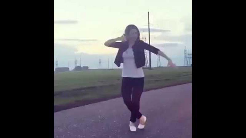 Девушки Танцют ЛЕЗГИНКА - Мадина Мадина