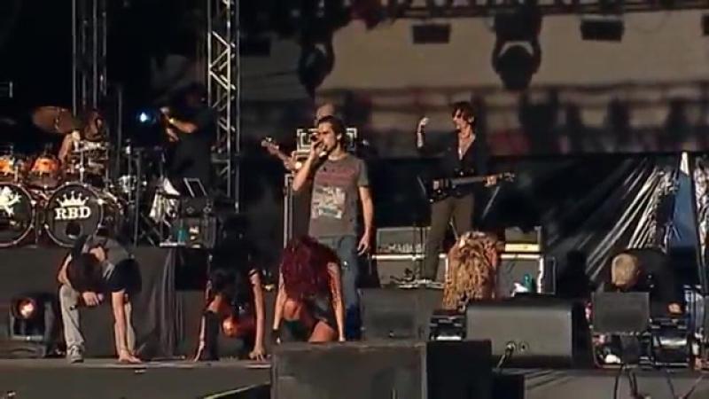 RBD - Aún Hay Algo - 20 (Live In Brasilia)