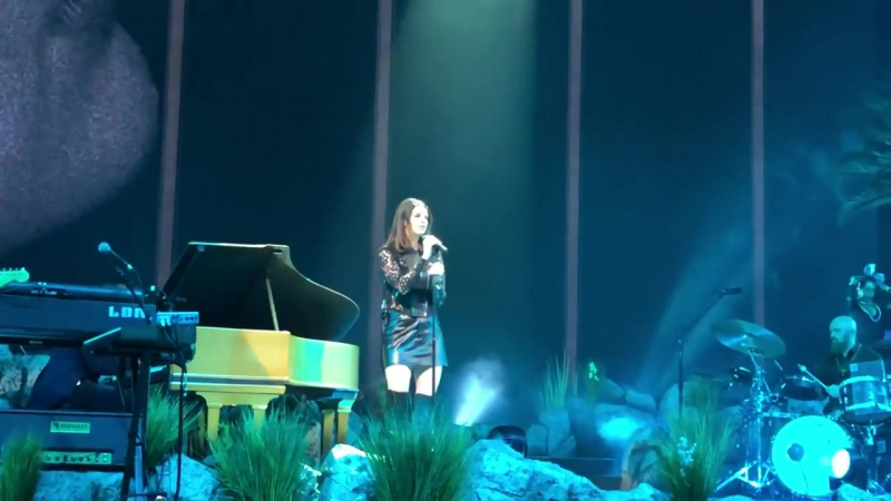 Lana Del Rey Music To Watch Boys To Live @ Air Canada Centre LA To The Moon Tour