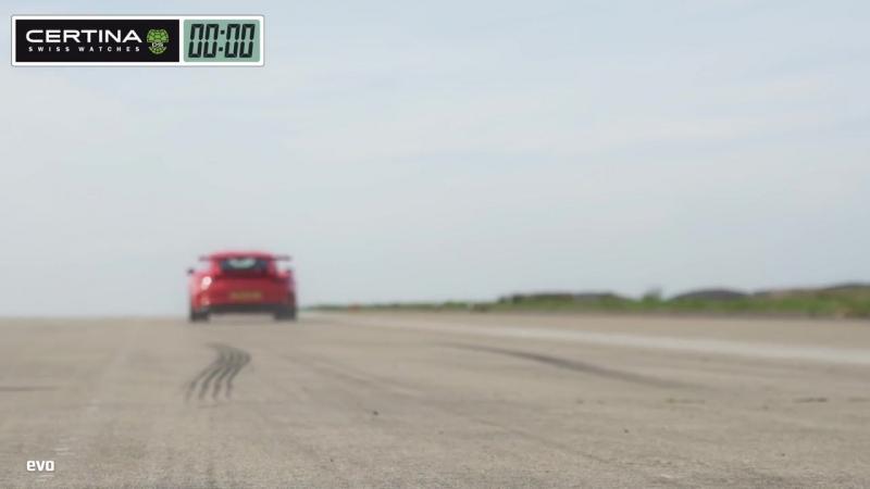 Nissan GT-R vs Porsche 911 GT3 RS