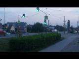 постоянно горит зеленый свет для автомобилей, а для пешеходов зеленый не загорается вовсе