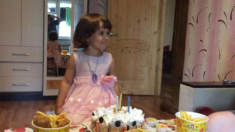День Рождения Аленки 🎉😍🎂🍰🍭🍹👑🌹🌷🌸🌞🎁🛍🎈деньрождения дочка аленка август2017 праздник многоподарков