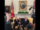 Назарбаев показал фирменное рукопожатие Трампу KOZKZ