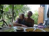 Поем с бабулей нашу любимую песню
