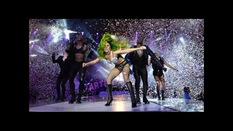 Lady Gaga - Applause (Live at Jingle Bell Ball 2013)