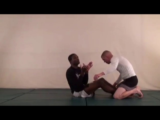 №27-3 Submission: Hell_hook, Knee_bar-1 Position: Butterfly_guard MMA UFC Din_Thomas