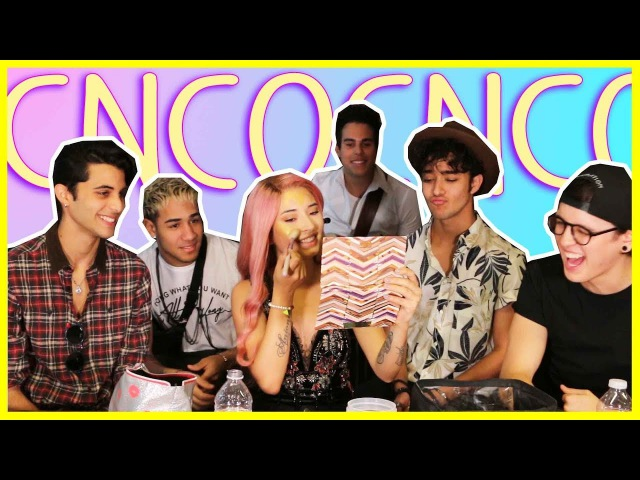 🌙 CNCO NARRA MI VIDEO CANTANDO MAMITA | LAURA SANCHEZ