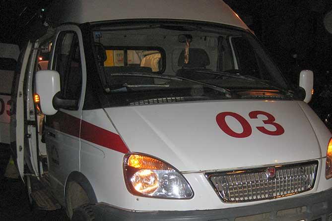В Таганроге водители Ford Focus и «ВАЗ-21124» не поделили дорогу, двое пострадавших