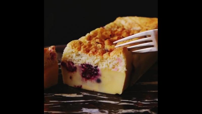 Простой десерт с замороженными ягодами