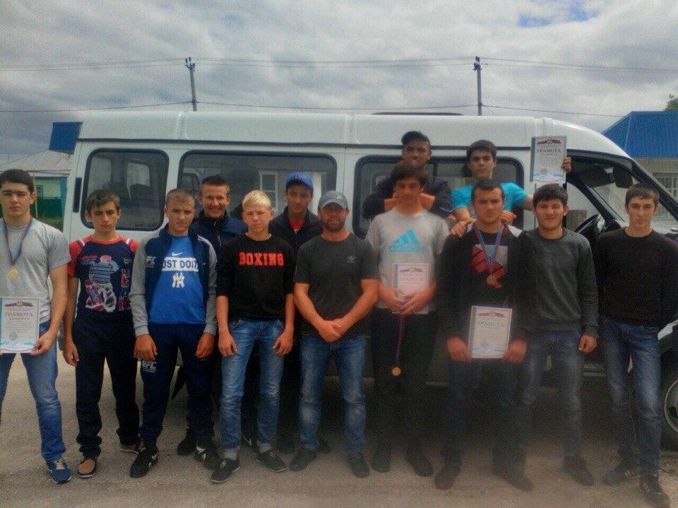 Борцы из Сторожевой призеры первенства КЧР