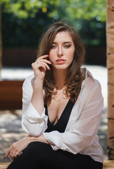 Ангелина Воробьева