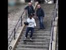 Как спускаться на роликах по ступенькам