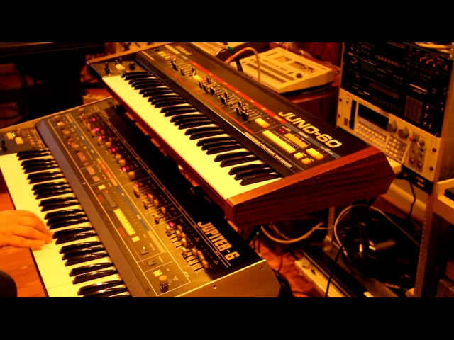 Deep House with JP 6 Juno 60 TR 909 and TR 727