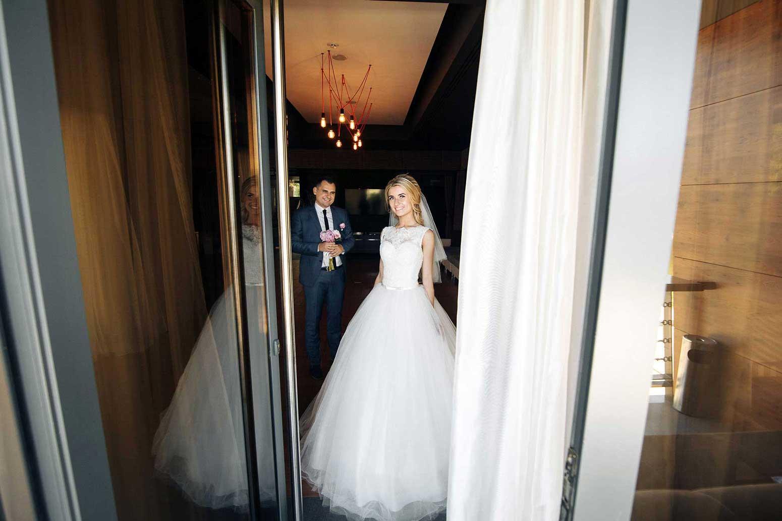 VE3yXUfUYfc - Денежные конкурсы на свадьбе: пять причин отказаться от них