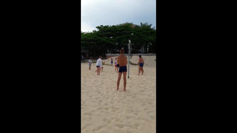 Пляжный Волейбол в Dessole