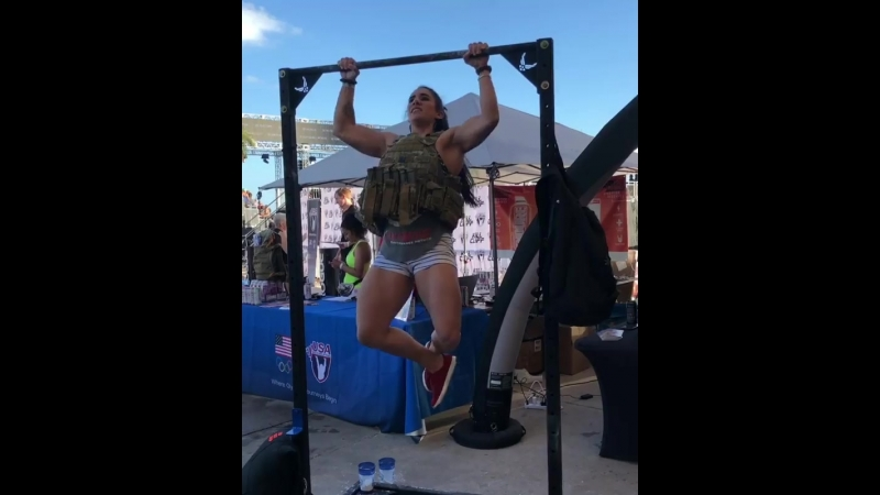 Стефани Коэн, 17 подтягиваний в 8-кг жилете