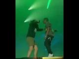 "Travi$ Scott preforms ""Goose Bumps"" with a fan 👀🤟🏾🔥"