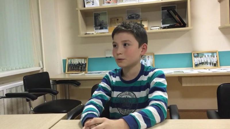 Айназ Шавалиев поделился с нами воспоминаниями о том, как ему сказали, что «сладкое — это бяка».