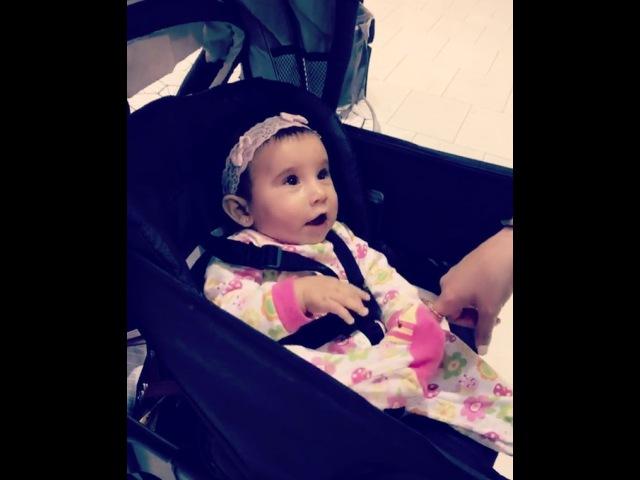 ✨LAS PRIMERAS PALABRAS DE VALÉRIE: Titi✨ La amo demasiado Mi futura ahijada ya dice mi apodooo, y sólo tiene 7 meses!❤️💛💚💙💜🎀💋 • baby happy surprise