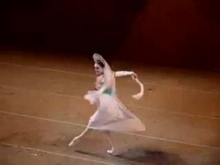 Русский танец из балета Лебединое озеро.У.Лопаткина