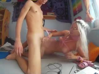 училка трахаеться с учеником порно фото видео