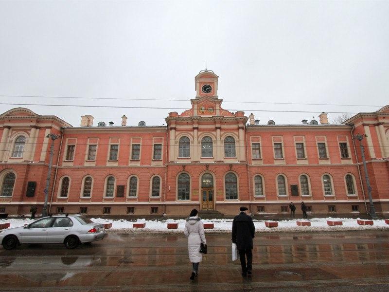 Из Тимирязевской академии уволили декана, выступавшего против передачи опытных полей под застройку
