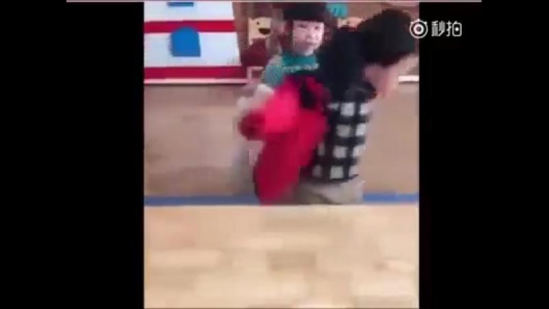 Научим ребёнка одеваться