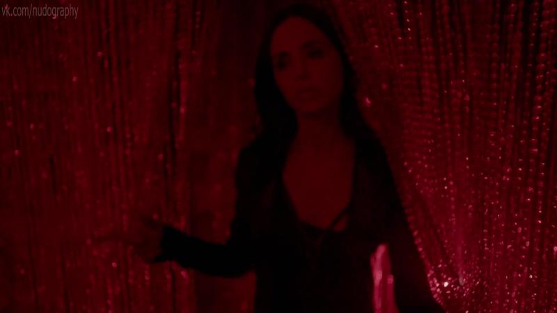Элайза Душку (Eliza Dushku) и неизвестные в сериале