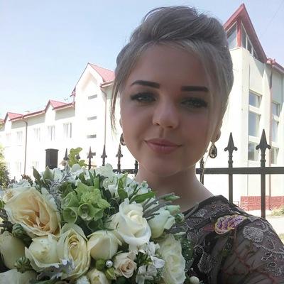 Юлія Шарабуряк