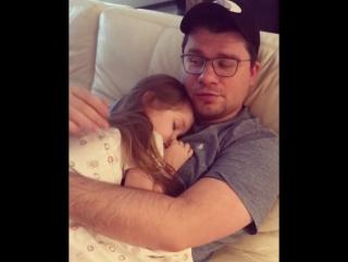 Кристина Асмус опубликовала трогательно видео с мужем и дочерью