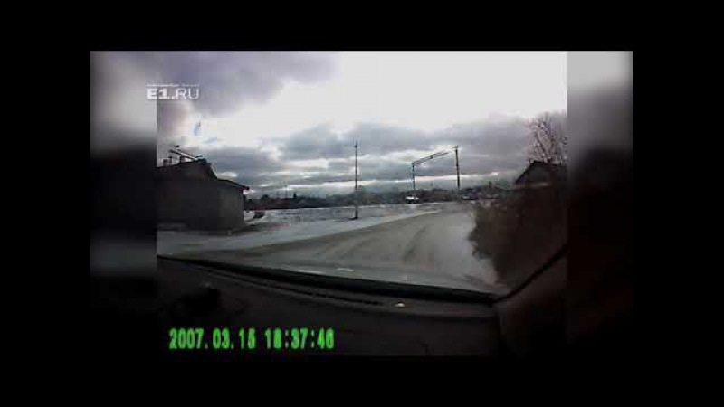 18 Убийца, зарезавший двух женщин в посёлке Кедровка, попал на запись видеорегис ...