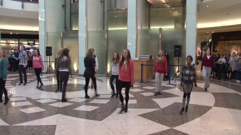 Ирландские танцы - флэшмоб | Irish Dancing Flashmob in Essex by Aer Lingus Regional and London Southend Airport