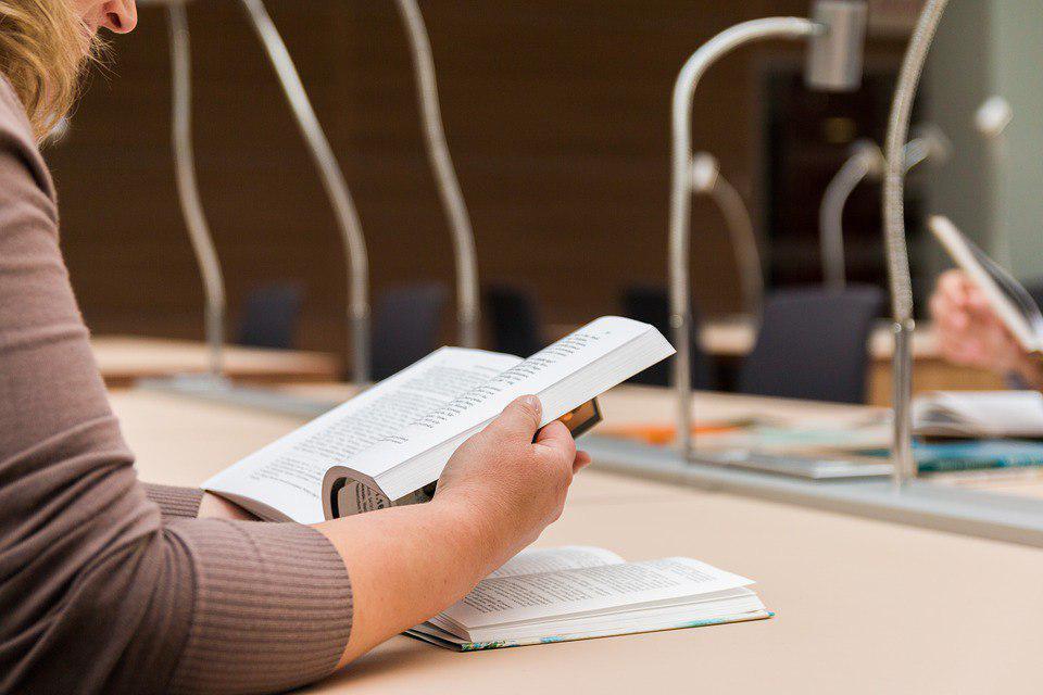 Библиотека на Алтушке начала выдавать читателям электронные карты