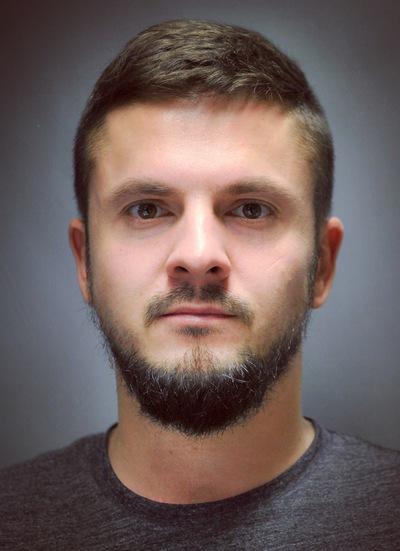 Илья Ермолаев