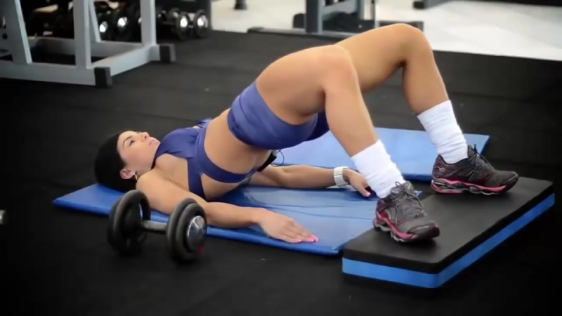 Michelle Lewin and Eva Andressa Training Buttocks and Legs