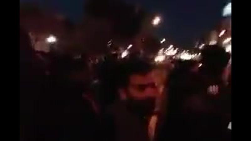 Демонстрация против Хезболлы и КСИР в оплоте режима аятолл городе Кум (Иран)