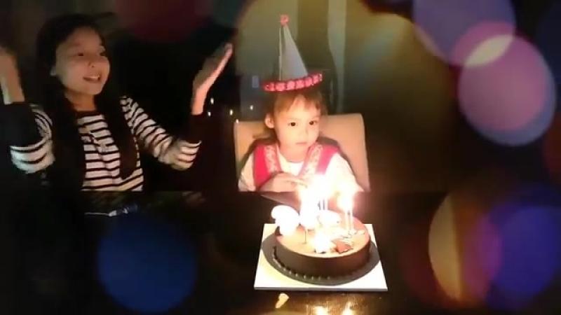 День рождения в Южной Корее Садик 안젤리나 생일