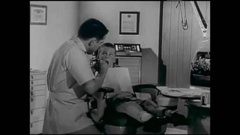 1965 год. Осмотр детей у стоматолога.