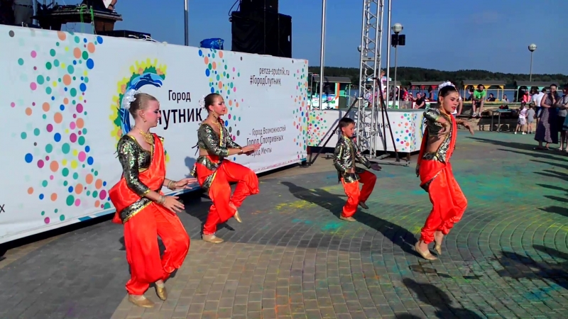 театр индийского танца Ангури, Чумки