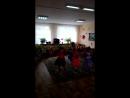 танец Синий платочек -репетиция перед выступлением. средняя группа.