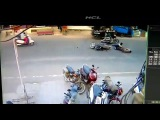 В лобовое на скутерах