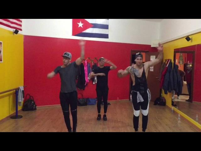 Cuban flex regaeton con yomil y el dany y el micha a coger la cola