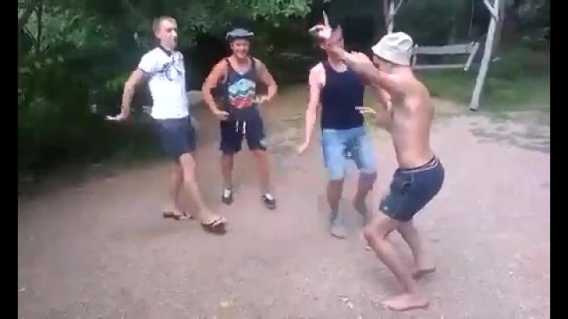 Ржачный Танец.mp4