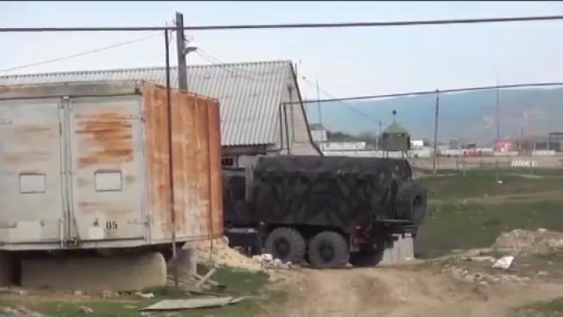 Спецназ ФСБ штурмует главарей бандитского подполья спецоперация оперативная съёмка