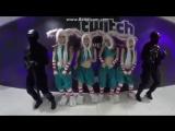 Няшки с ушками танцуют) Косплей на КС)
