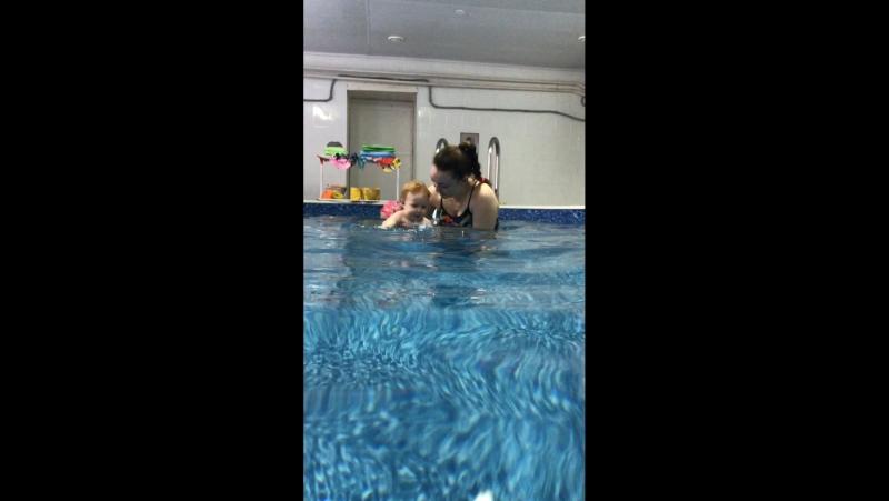 Вероника 11 месяцев